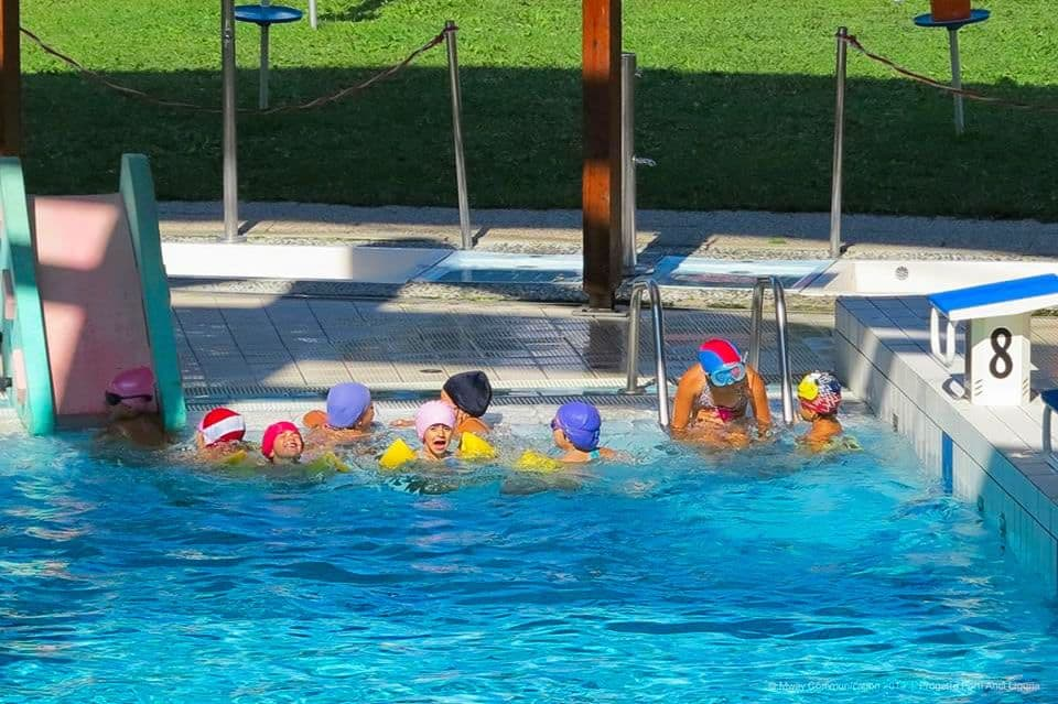 piscina-e-bordo-bimbi